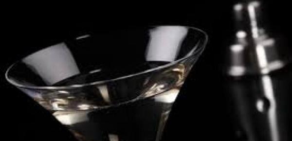 Saiba mais sobre o curso Barman Atendimento e Drinks